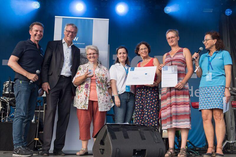 Verleihung vbw Champ in Noerdlingen - Hospizgruppe Donau-Ries e. V.